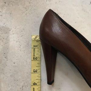 Stuart Weitzman Shoes - Stuart Weitzman brown vintage heels